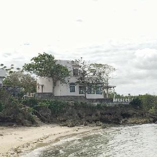 picture 2 of Gorgeous beachfront Mediterranean-Style Villa