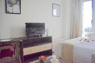 picture 2 of Fully furnished studio unit with scenic view