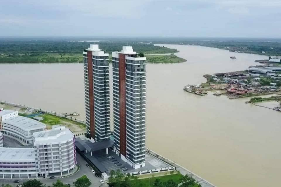 Waterfront Residence Homestay@River And Sunset View