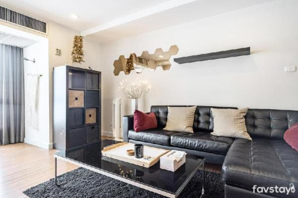 Prime area with 1BR near BTS Nana only 350 Meter Bangkok