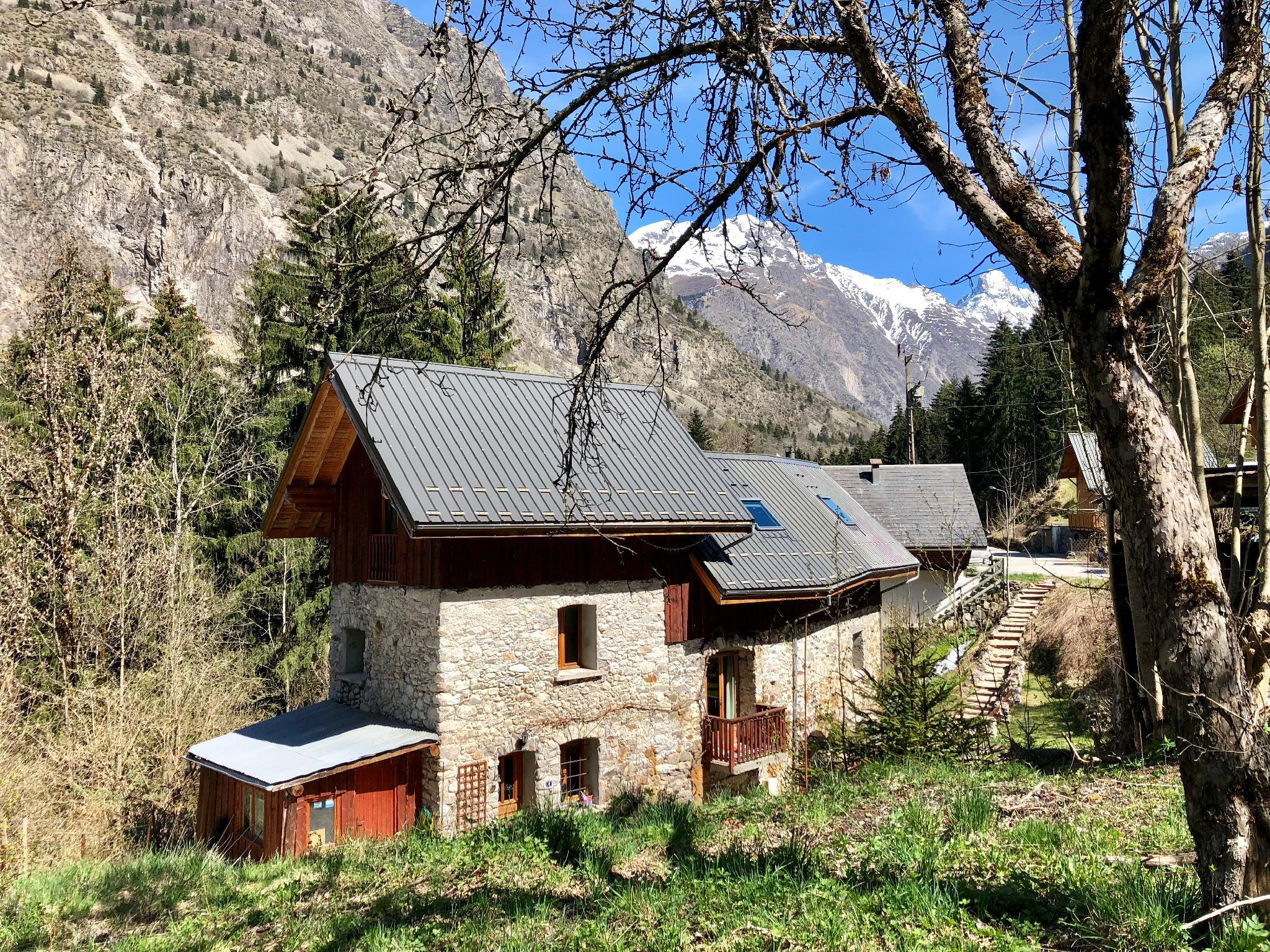 Magical Lodge In Stunning Location With Bike Shed