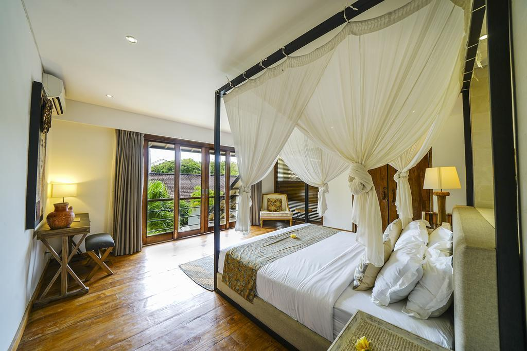 Family Villas Surrounded By RiceField Seminyak 5BR