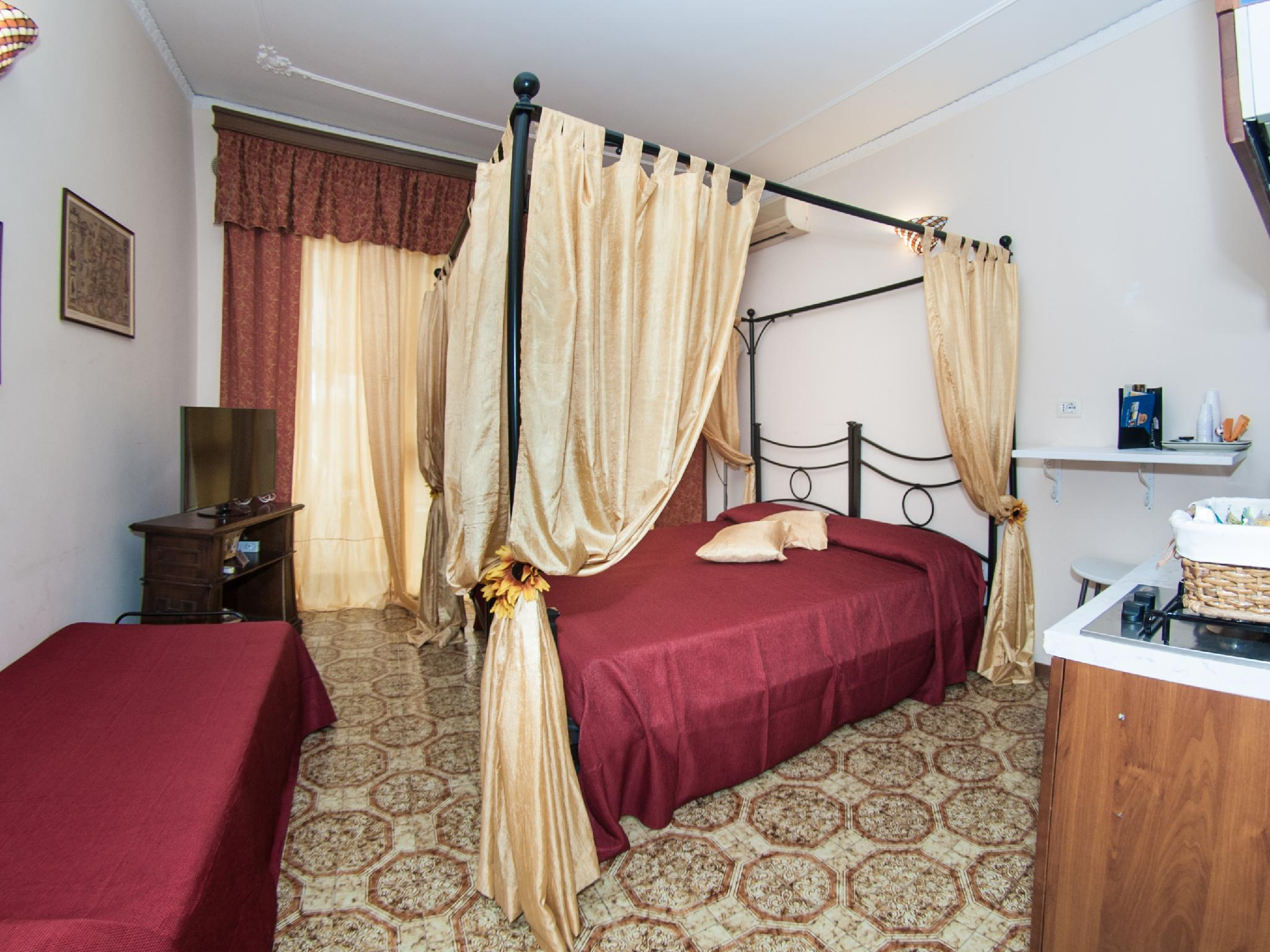 Apartment 1 Tarchon Luxury BandB   Triple Room
