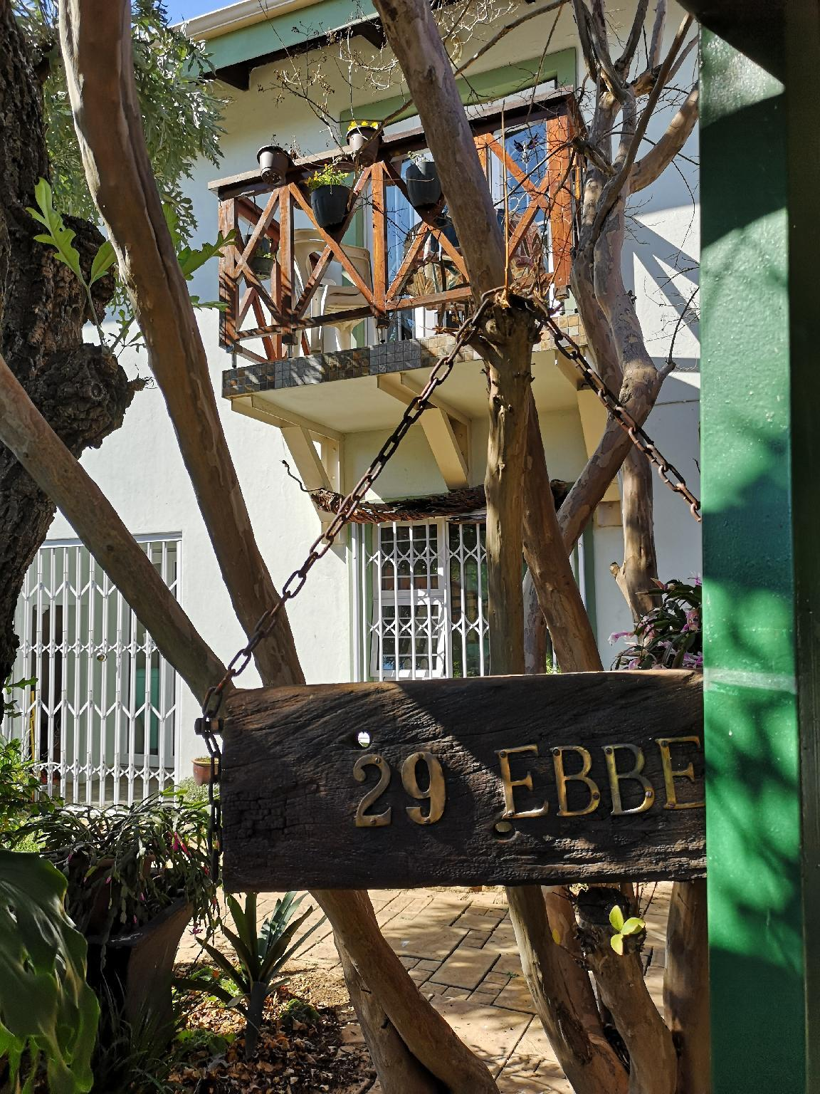 2 Bedroom Apartment   Near OR Tambo