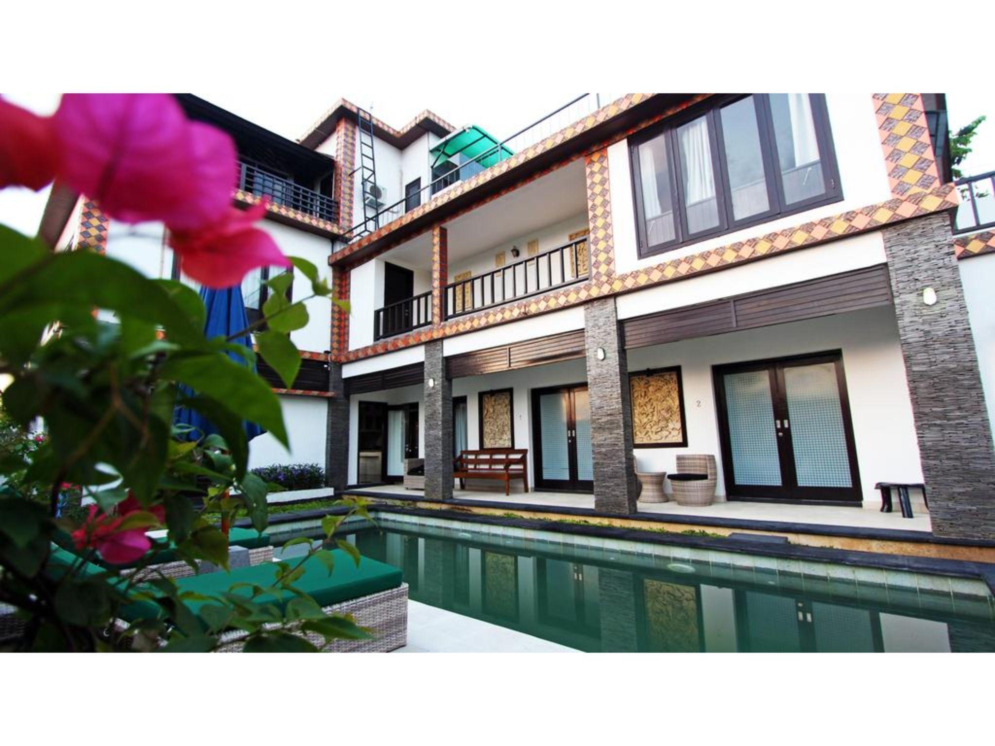DR 5BR Private Villa Close To Seminyak Square