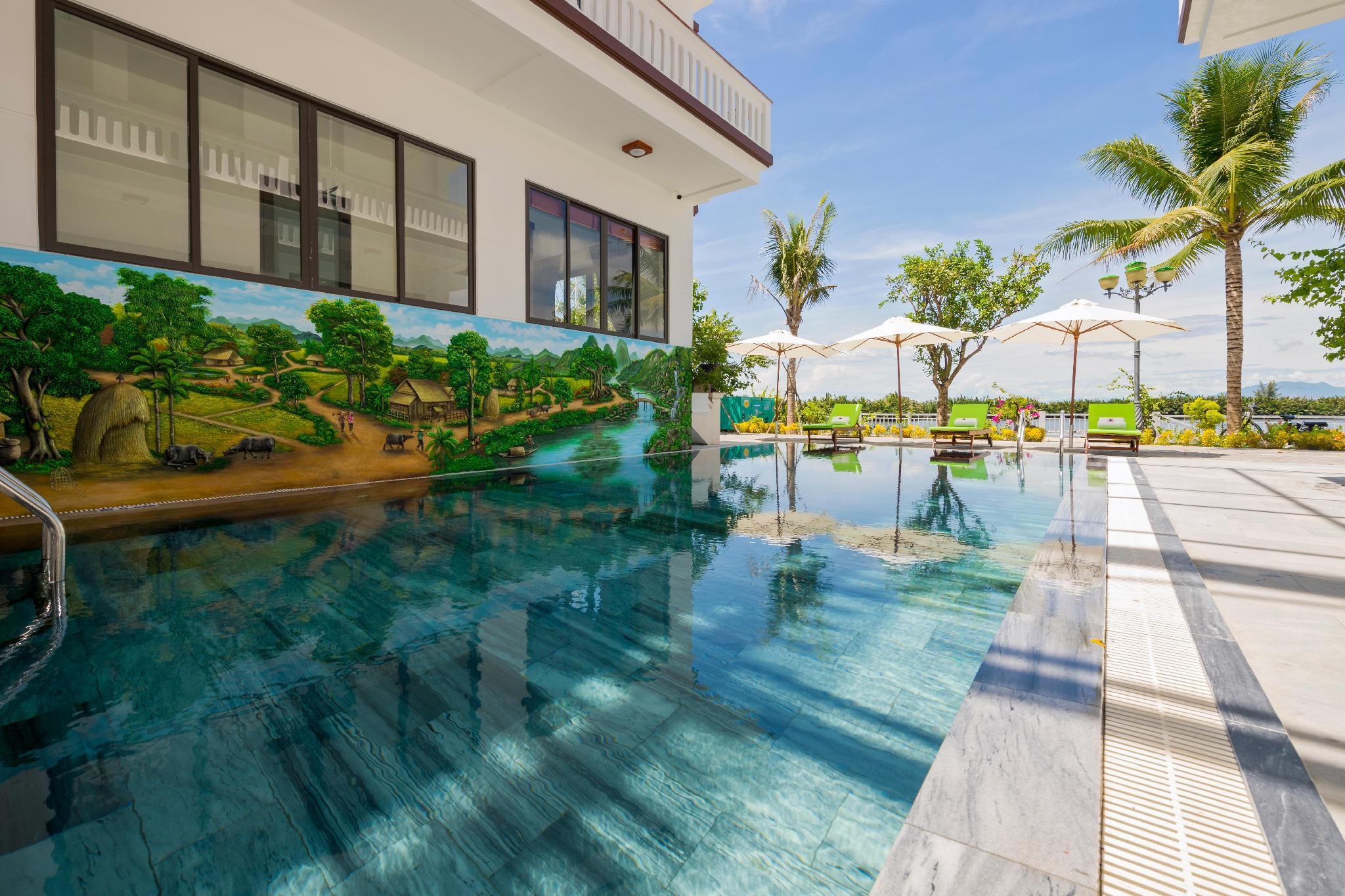Phuc Hung Riverside Villa   Swimming Pool And River