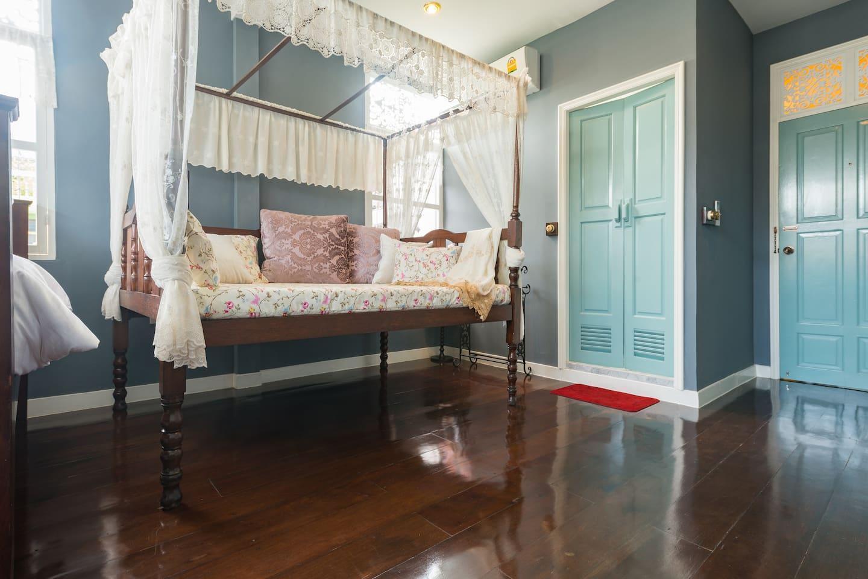 2 Bedrooms in Heritage Shophouse in Yaowaraj, Bkk อพาร์ตเมนต์ 2 ห้องนอน 2 ห้องน้ำส่วนตัว ขนาด 50 ตร.ม. – ริมแม่น้ำกรุงเทพ