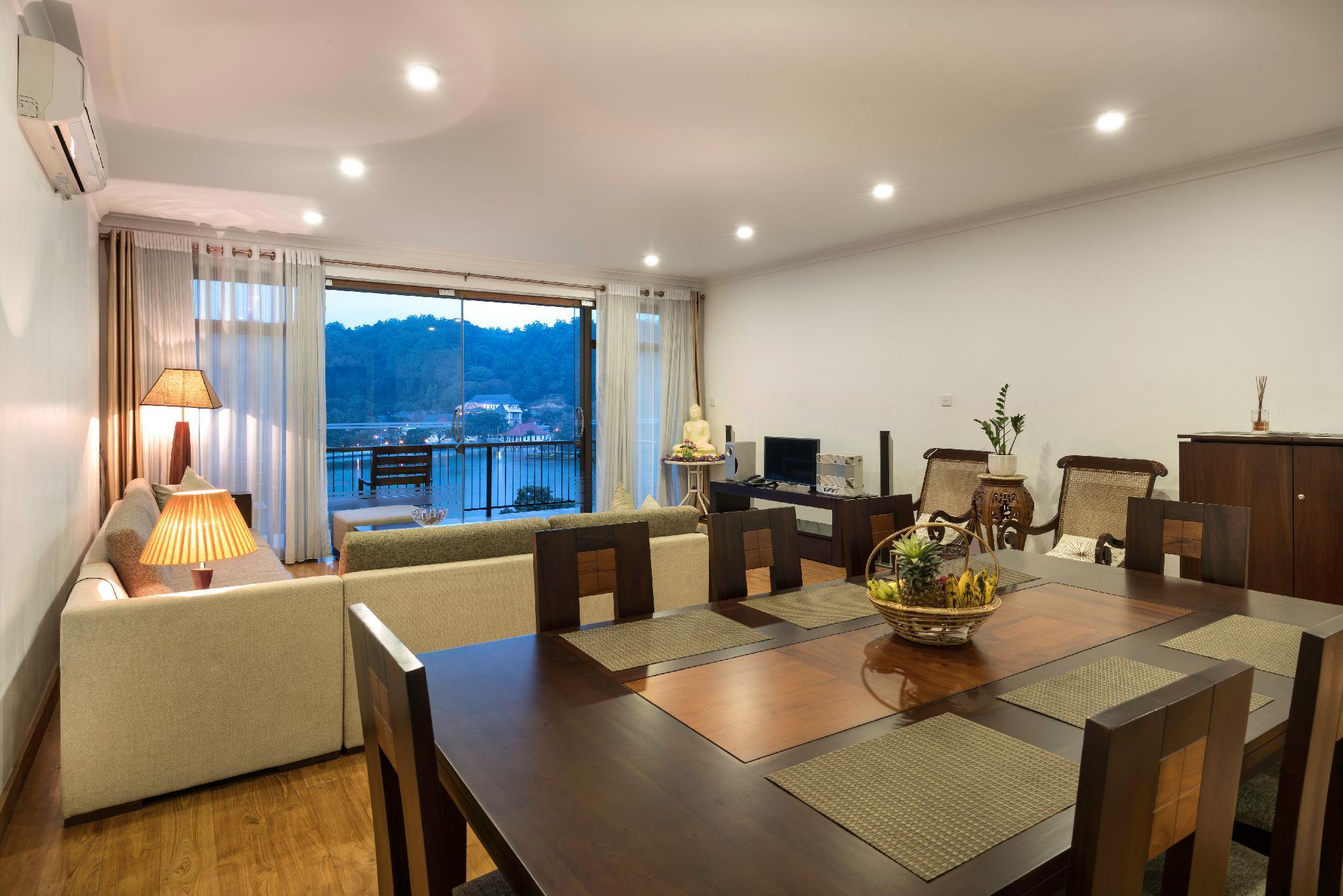 LAKE VIEW POINTE   Luxury 3 Bedroom Apartment