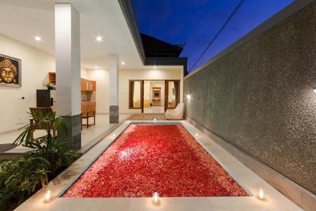 Romantic Getaway Deluxe Pool Villa Paisa V