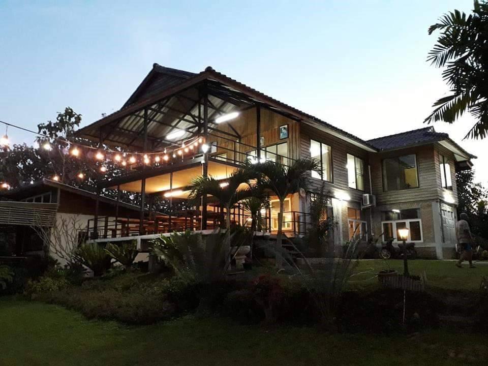 NeeKrung Home Stay  Chom Khong House