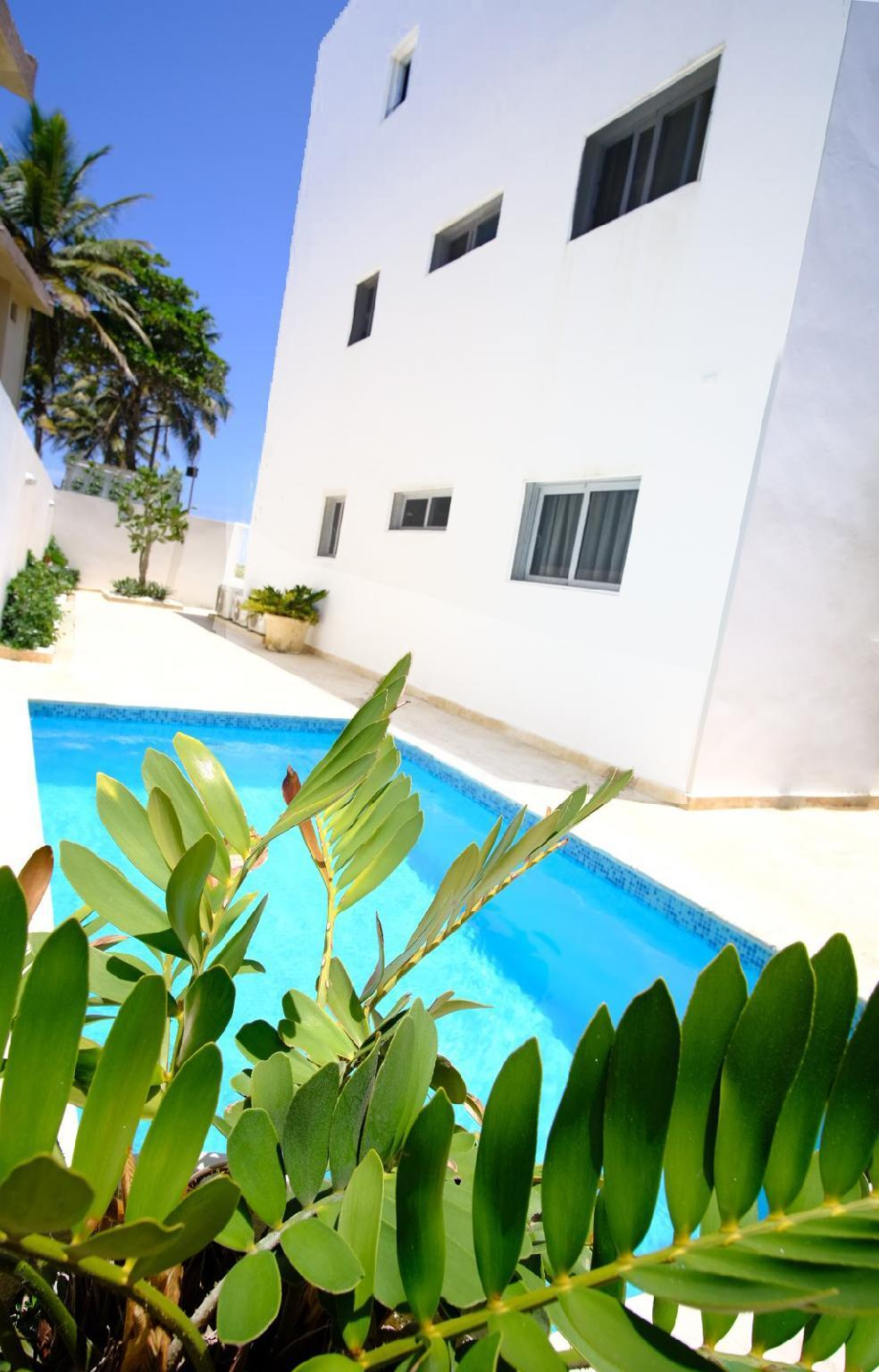 Great Oceanfront Condo With Private Pool On Beach