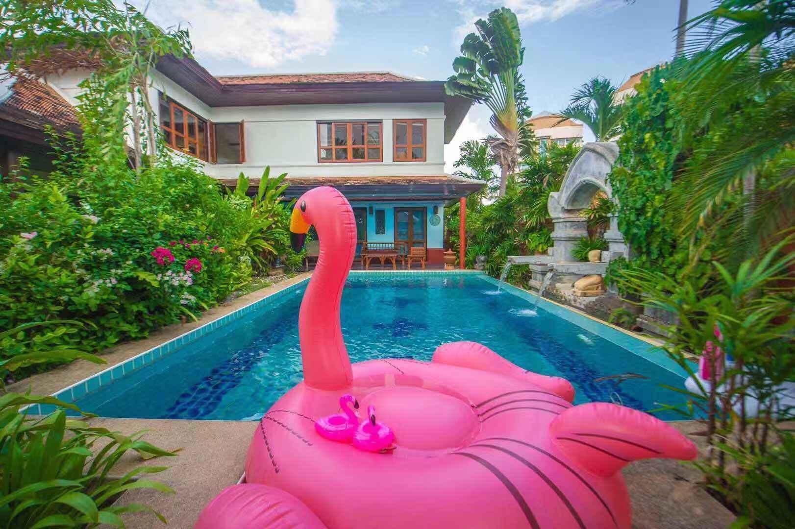 Pattaya Thai Style Independent Pool Villa