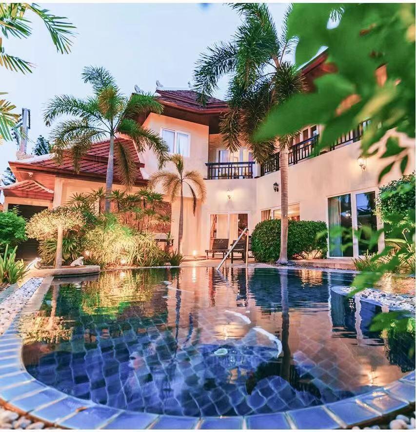 Phratamnak 5 Villas In Private Swimming Pools