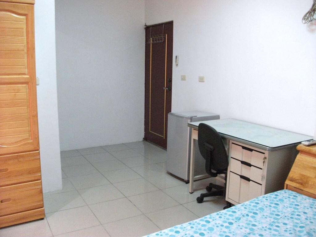 Zhang Bin Suite With Bathroom