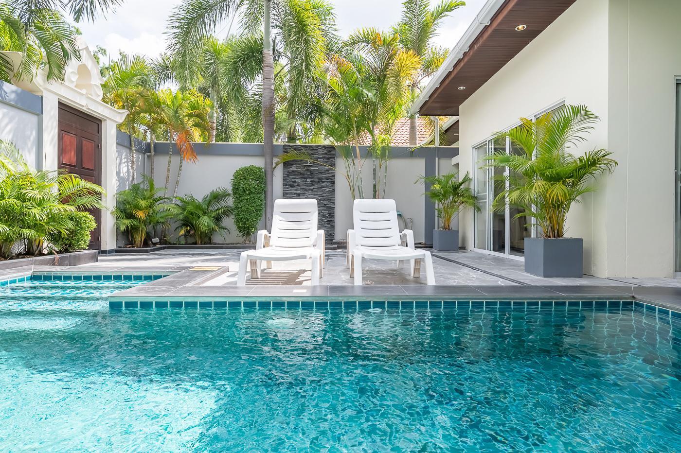 Romatic Private Beach Villa Majestic Residence