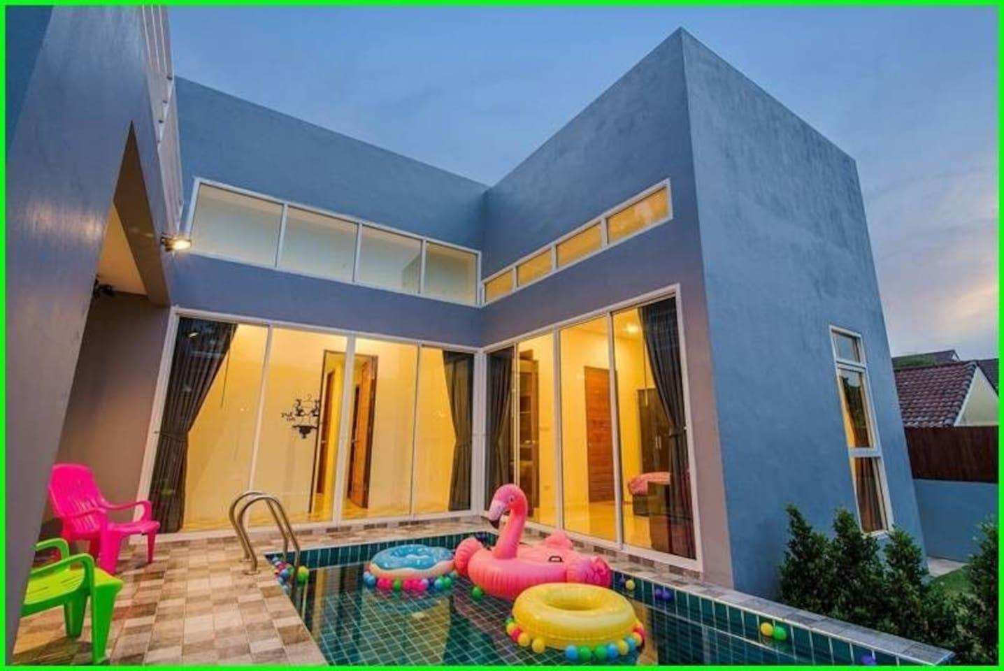 Brand New Pet Friendly Pool Villa L 12 Pax   VVH26