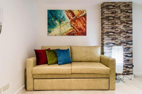 Comfy 2BR by Mackay @Azure Urban Resort Residences Manila