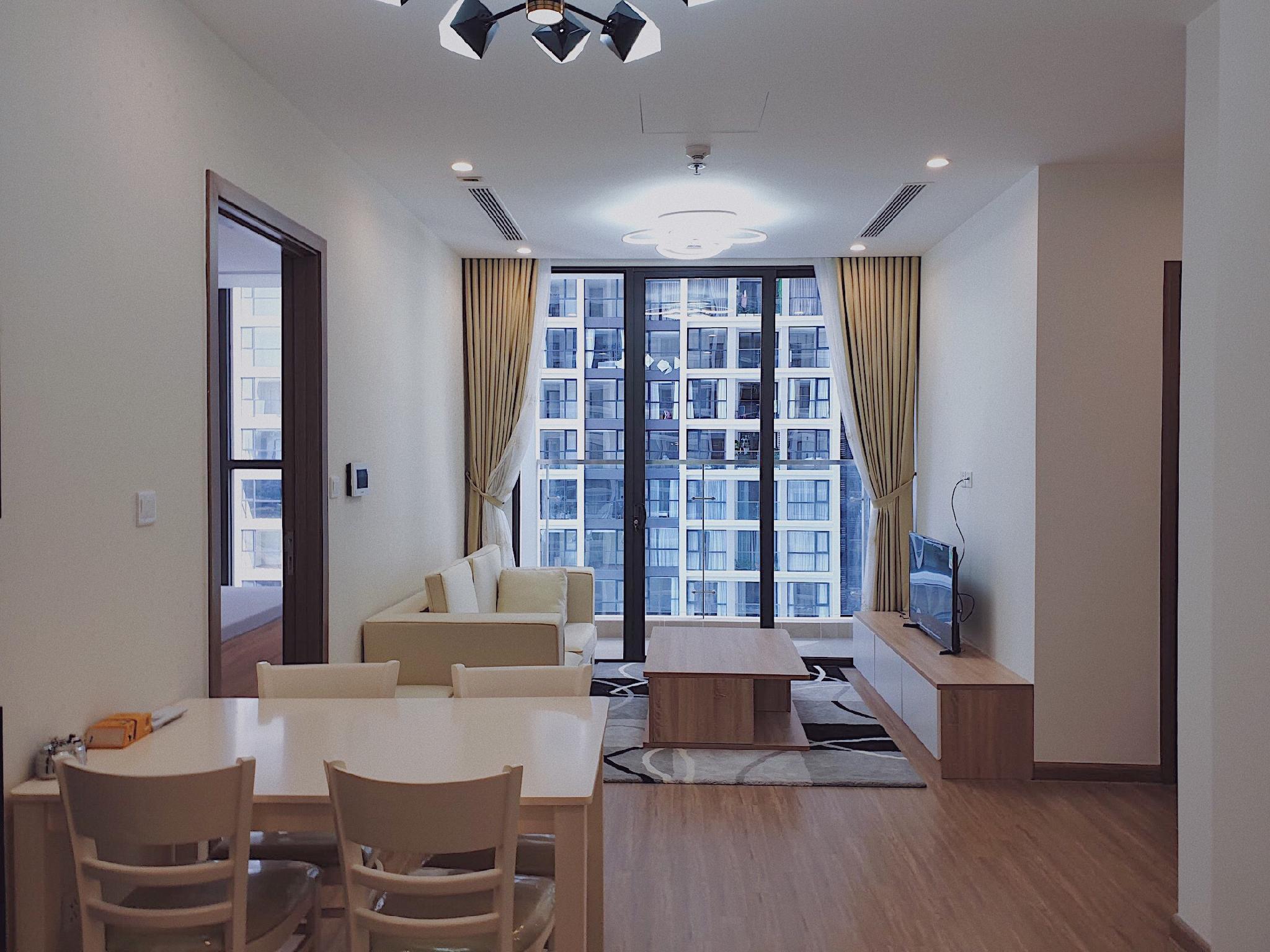 Luxury 2BR Apartment At Vinhomes Skylake
