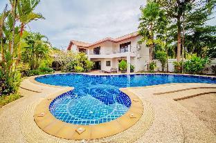 The Coconut Villa วิลลา 6 ห้องนอน 5 ห้องน้ำส่วนตัว ขนาด 520 ตร.ม. – หาดราไวย์