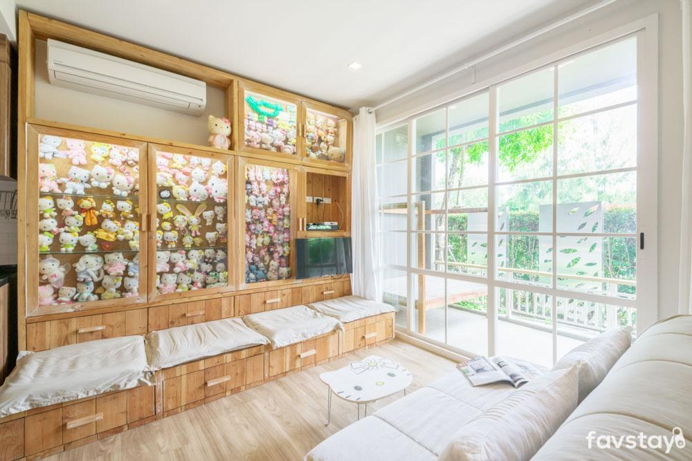 Cozy Hello Kitty Collections In Huahin