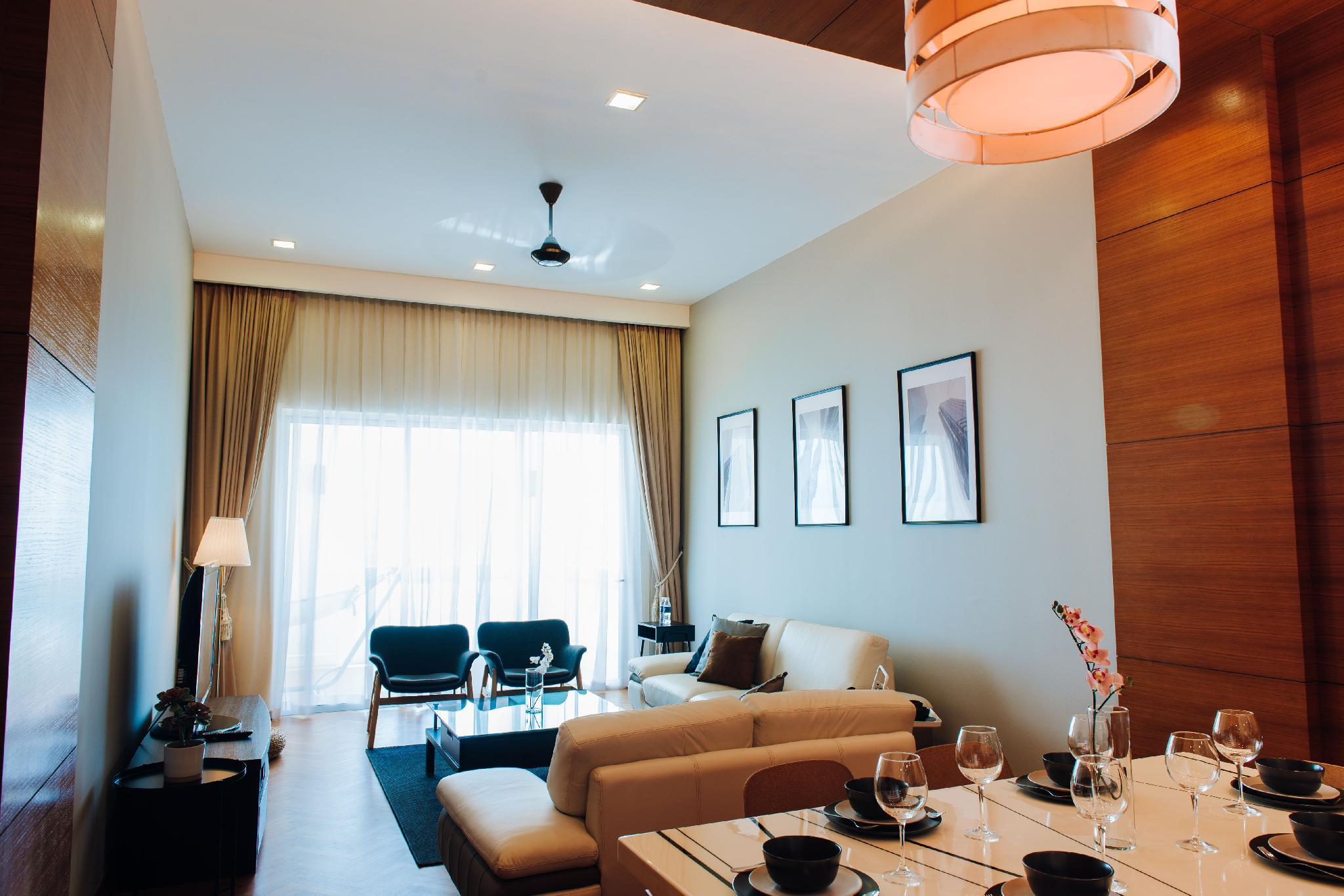 PY Luxurious Straits Quay Seaview Suite