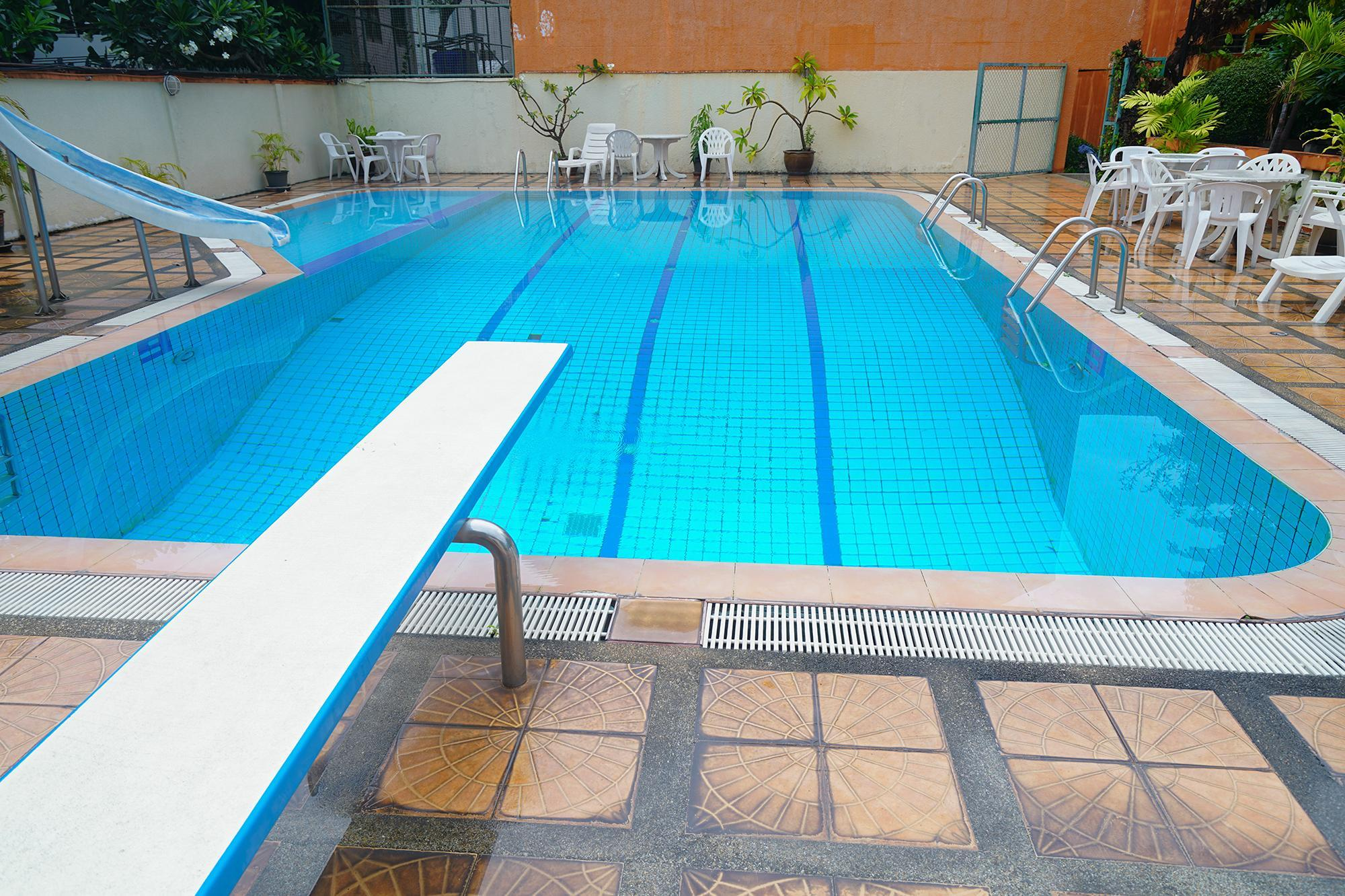 Sukhumvit 31 Pool Villa Hostel Bunk Beds