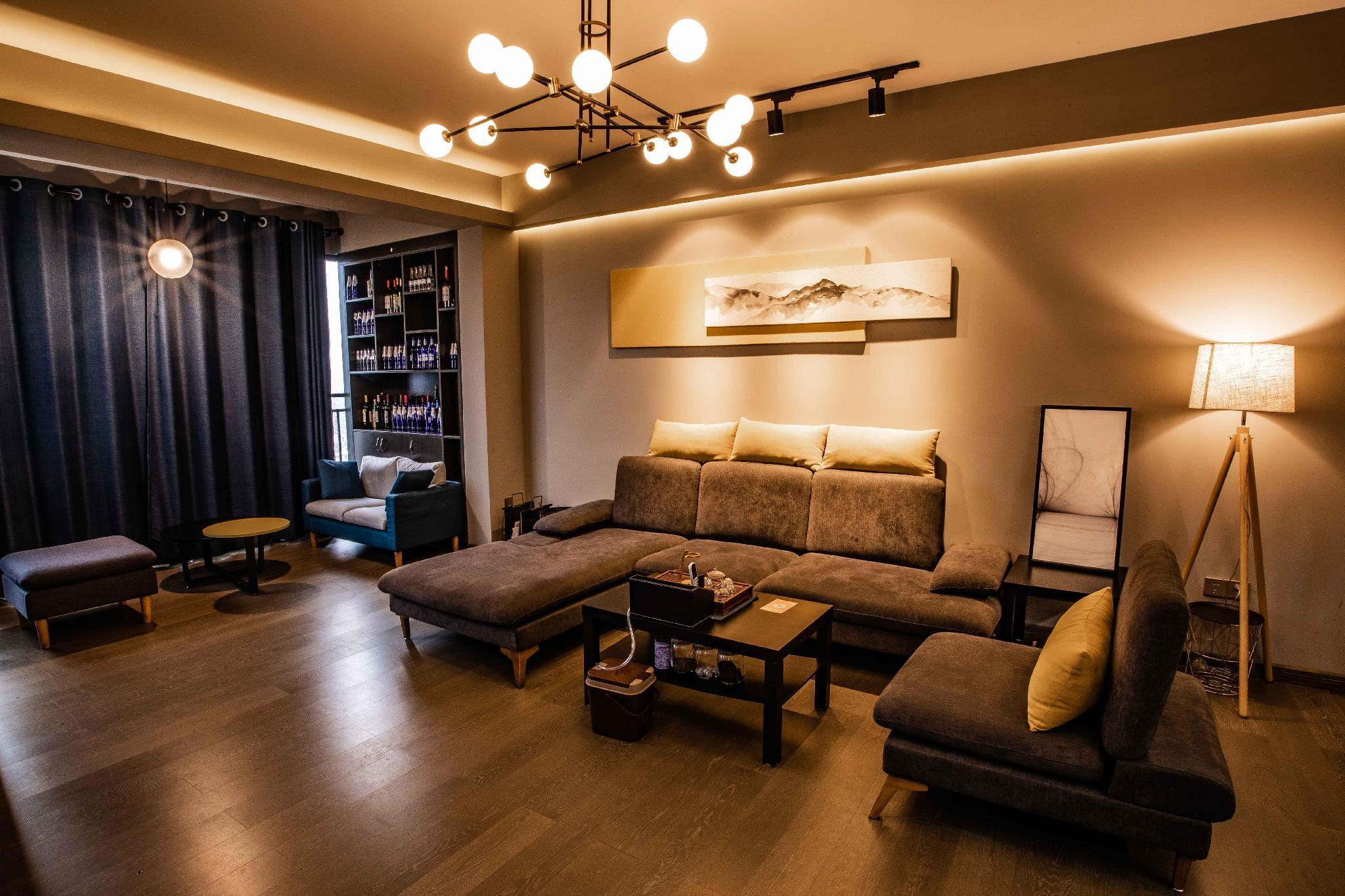 Fab Chic Flat With Rooftop @ Downtown Near Scenic